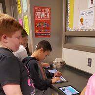 /assets/site/images/middle-school/teams/Robots/20171004_125457.jpg 6th grade Ozobots 4